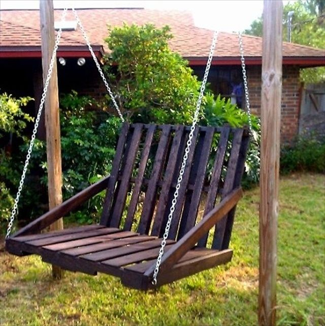 DIY Pallet Garden Swing Project