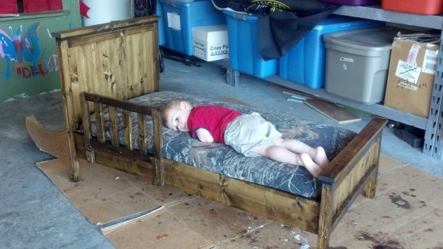 DIY Make a toddler bed Project