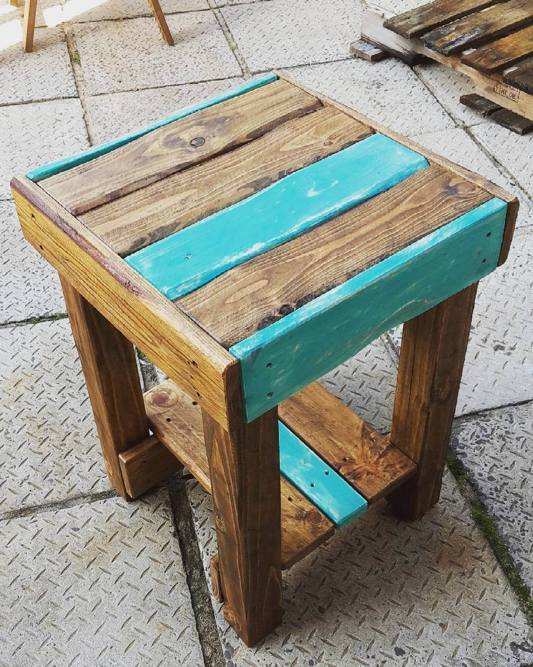Small Pallet  Side Table Ideas