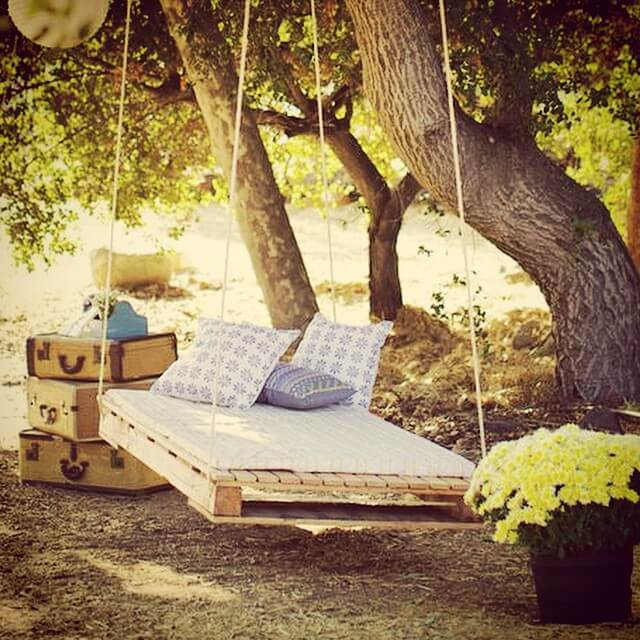 Wooden Pallet Swing Bed Project