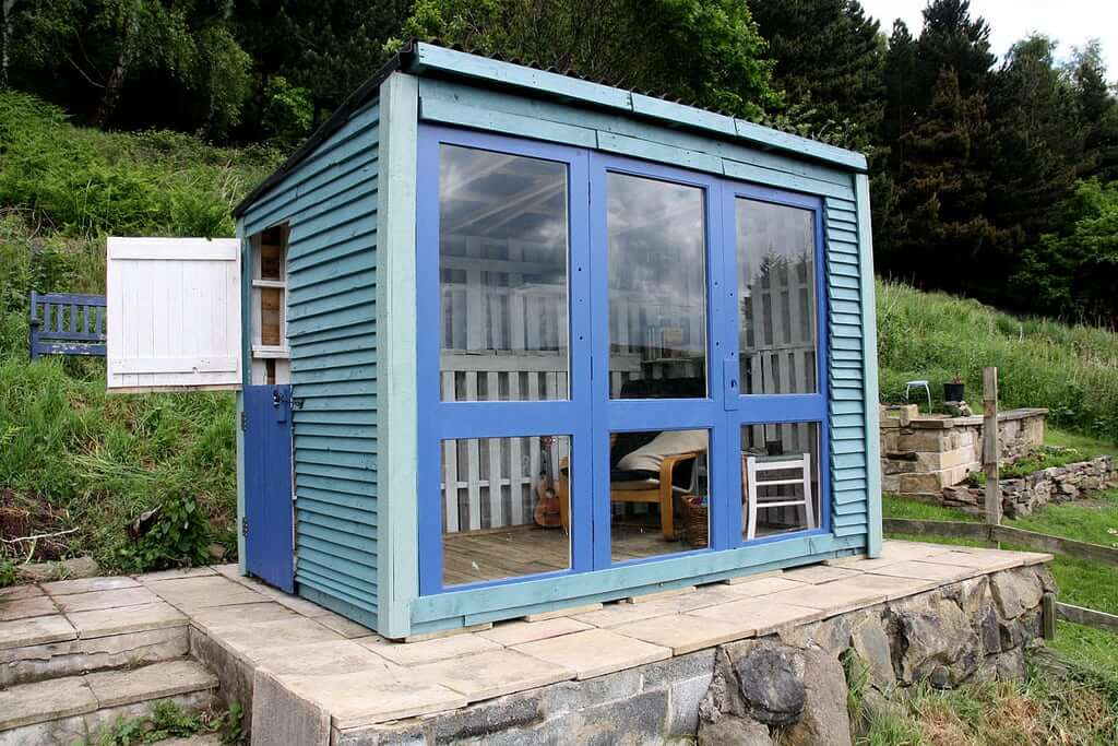 Tiny Beautiful Pallet House Management Ideas