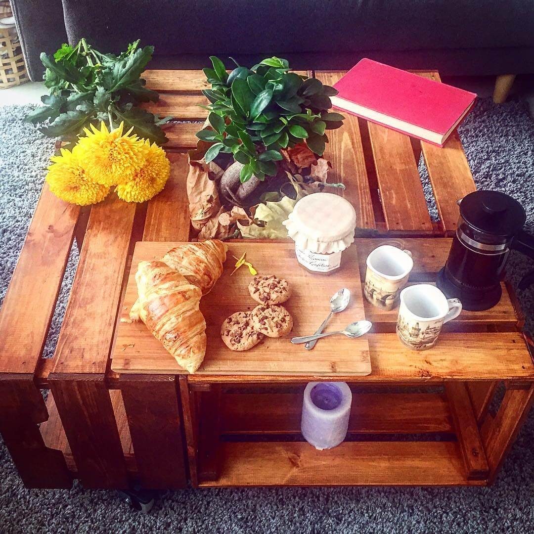 Succulent Wooden Pallet DIY Table