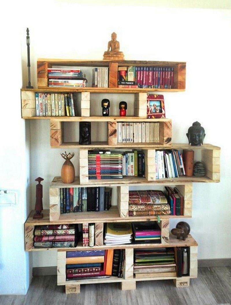 Beautiful Bookshelf Made from Wooden Pallets