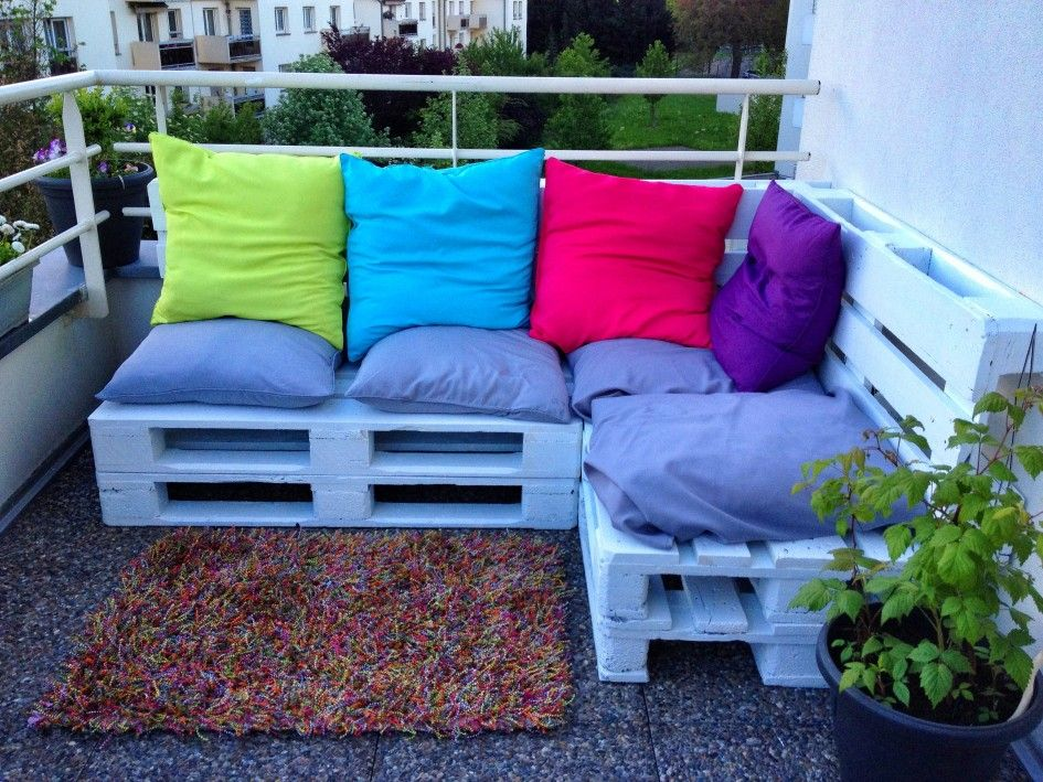 Blue Colored Wooden Pallet Sofa