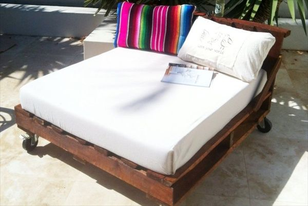 DIY Wooden Pallet Patio Bed