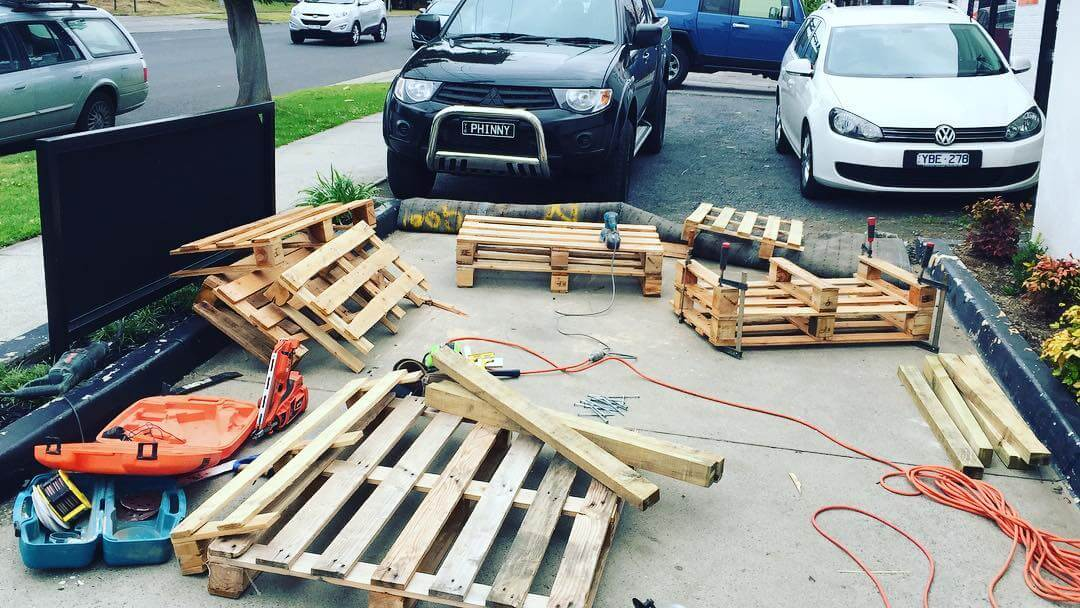 Step wise Tutorial For Pallet Couch Construction