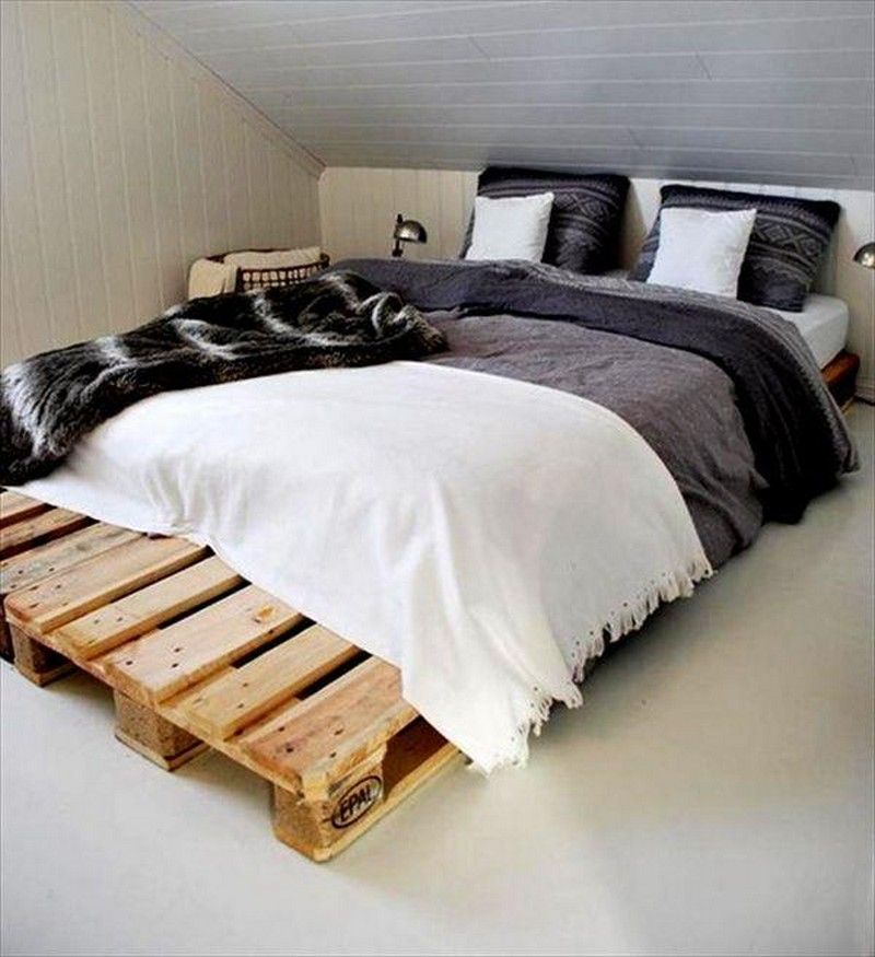 Easy Idea to Create a Wooden Pallet Bed