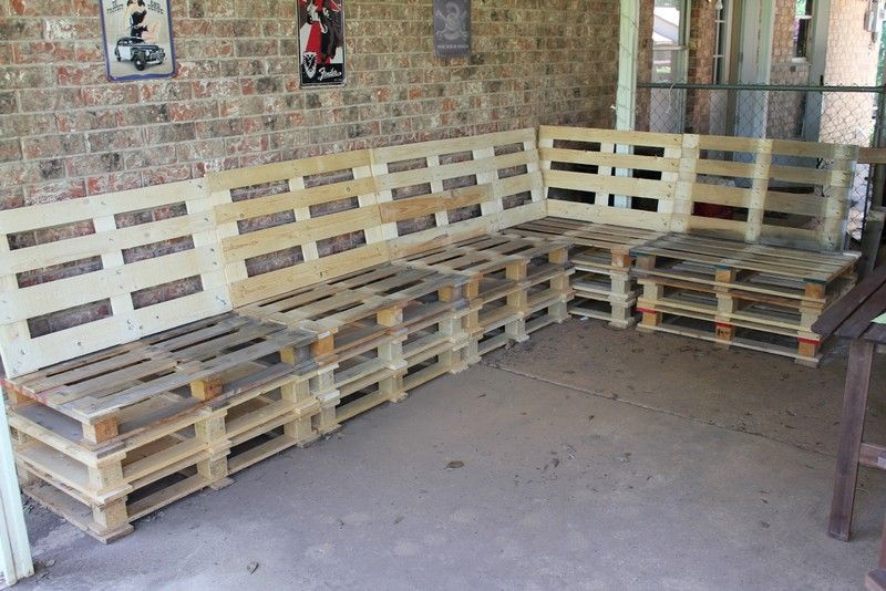 Pallet couch decoration