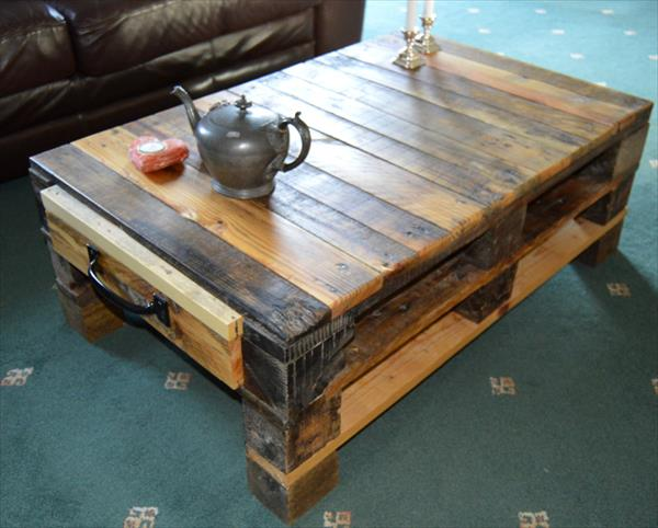 Lovely Pallet Coffee table with storage space Ideas