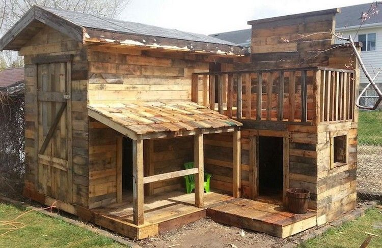Outdoor Tiny Pallet Playhouse