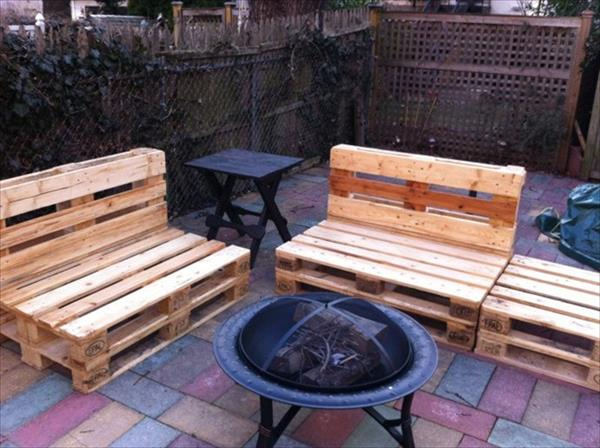 Pallet Amazing Outdoor Sitting