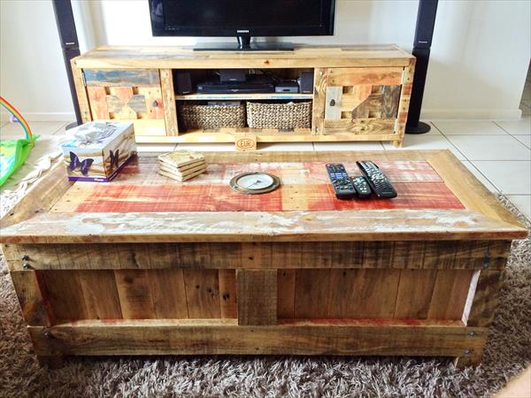 Pallet Coffee table with storage space Ideas 1