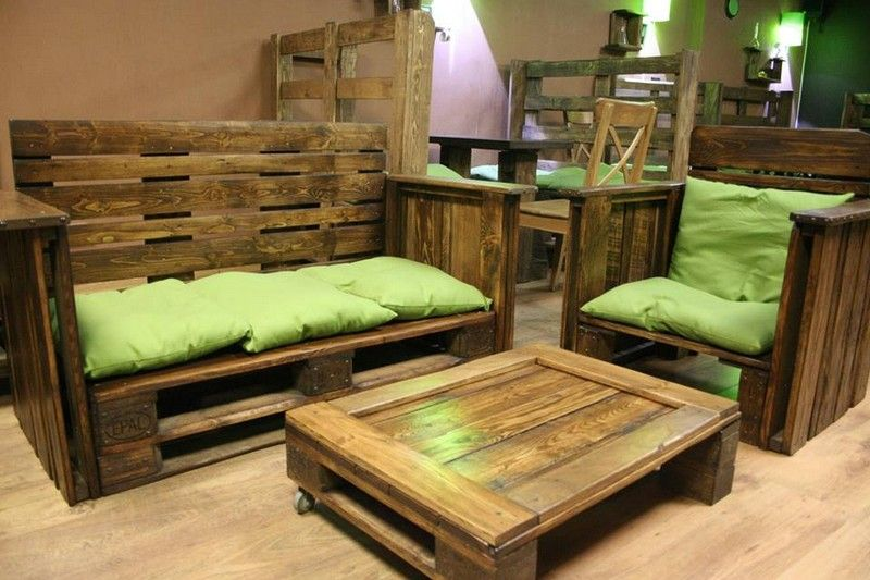 Pallet sofa with storage space