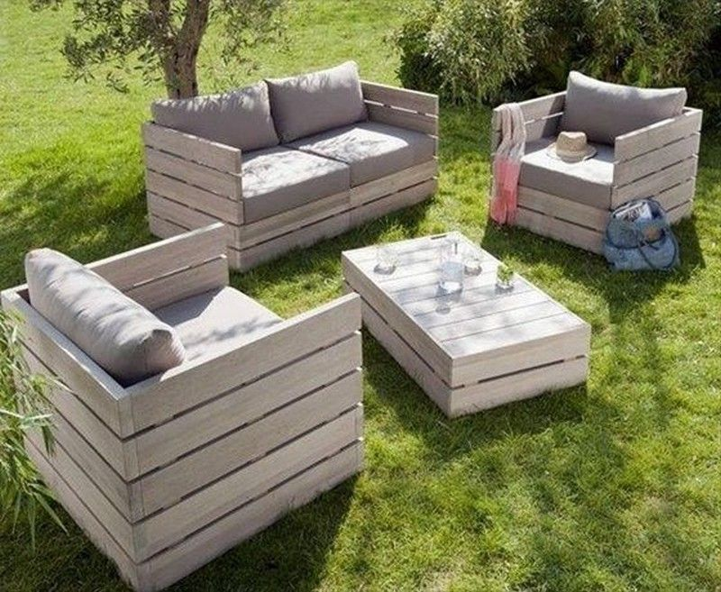 Simple Guide to making Pallet Patio Furniture