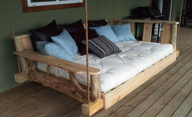 Swinging Pallet Bed