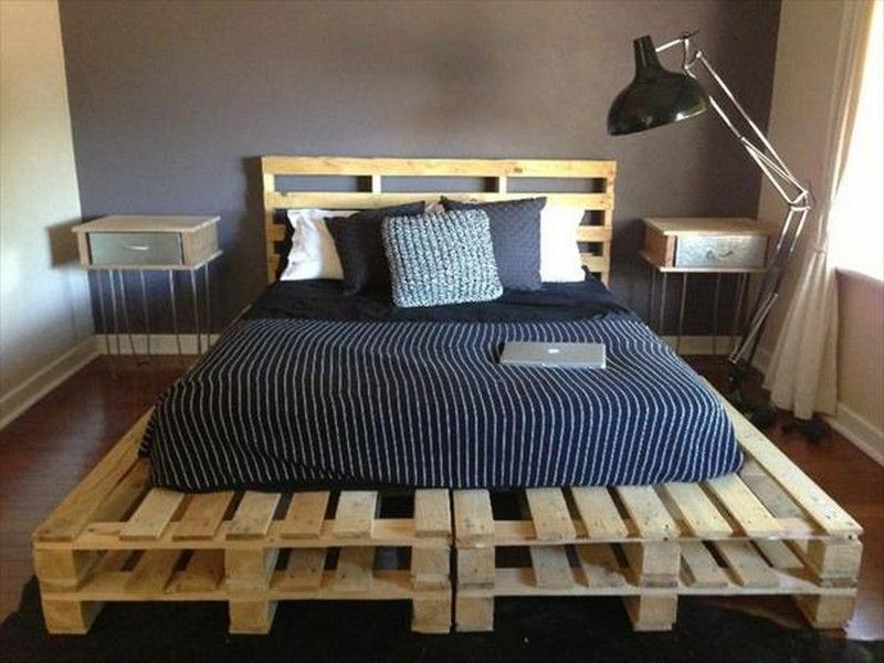 Way to Create a Wooden Pallet Bed