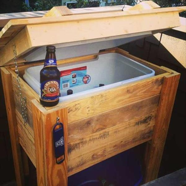 Lovely Wooden Pallet Deck Cooler