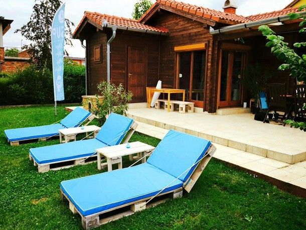 recycled pallet sun loungers Ideas