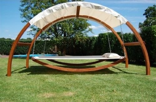 swing bed in pallet projects