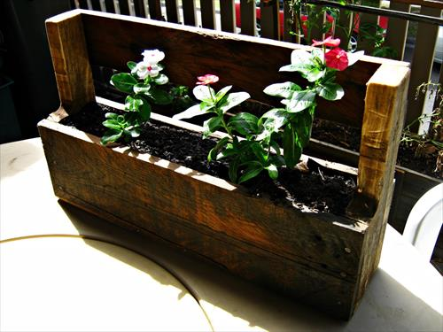 15 DIY Pallet Planter Box Ideas