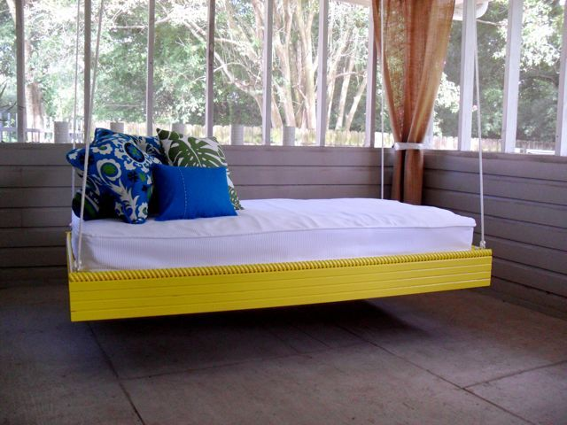 Pallet outdoor bed