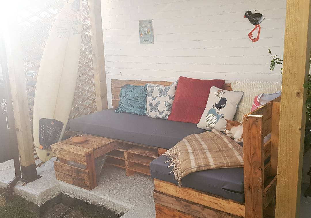 Cushion and Bed Type Pallet sofa