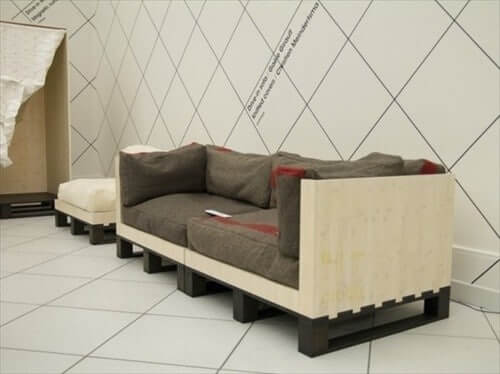 Pallet Single Couch