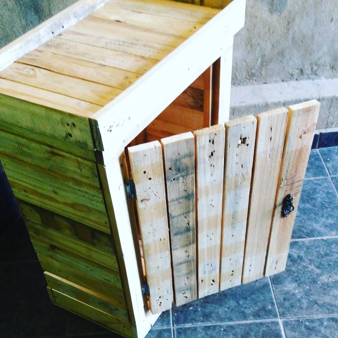 Designing Main Table a base for outdoor Pallet Kitchen
