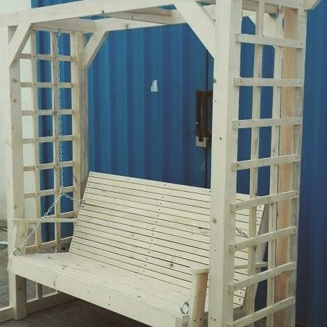 Pallet outdoor swing