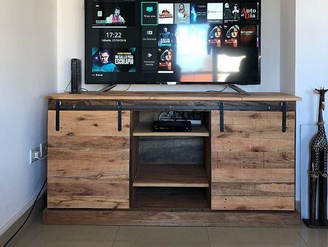Pallet TV stand