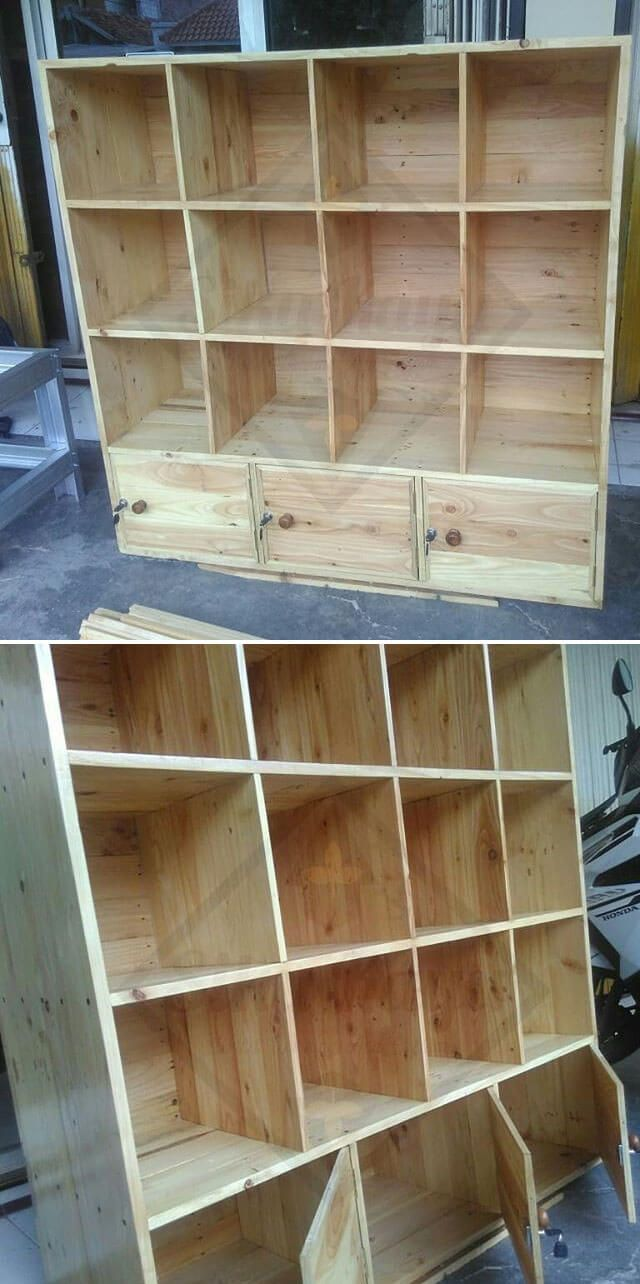 PALLET SHELF WITH DRAWERS