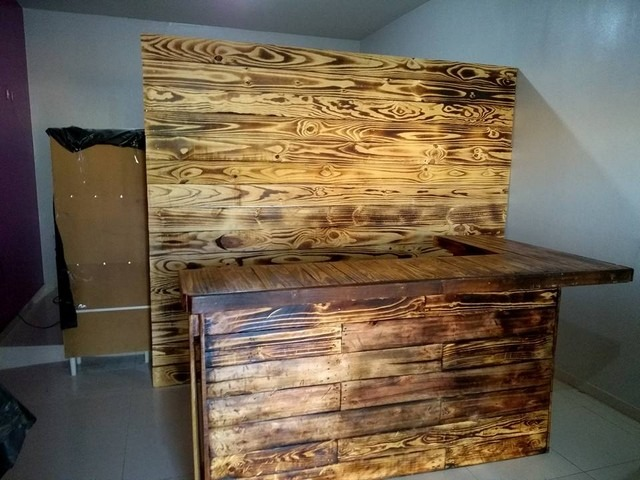 Pallet rustic wine bar ideas