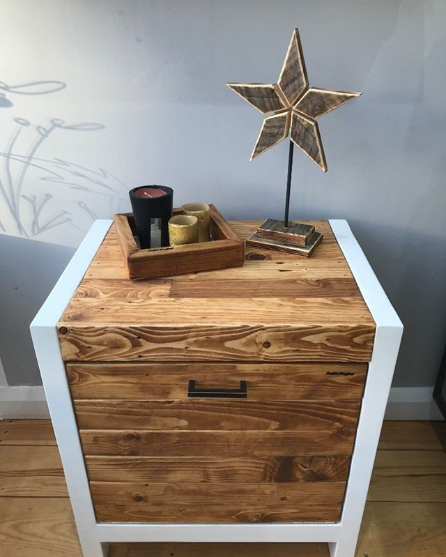 Pallet night stand ideas
