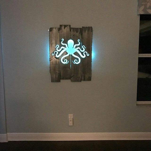 Pallet Glowing octopus Wall Art ideas
